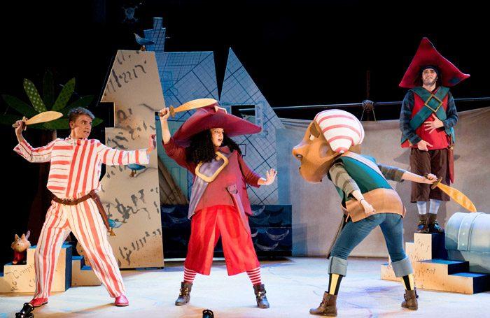 The-Night-Pirates.-Jack-McNeill-Tom-Charlotte-Cooper-Storyteller-1-Will-Jennings-Storyteller-3.-Credit-Camilla-Greenwell1-700x455